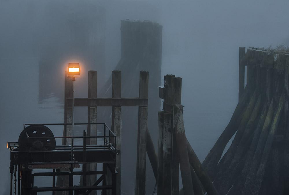 Nebel im Fährhafen