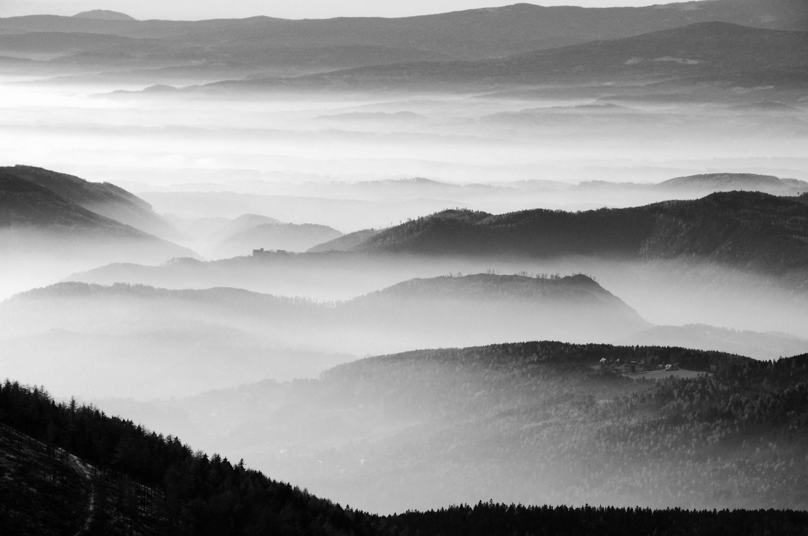 Nebel in den Tälern bei Graz