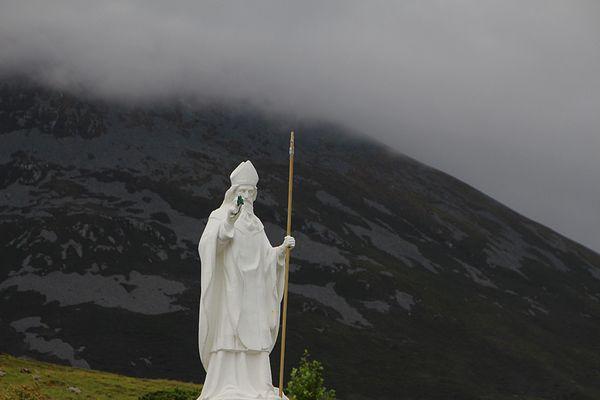 Nebel über dem Croagh Patrick