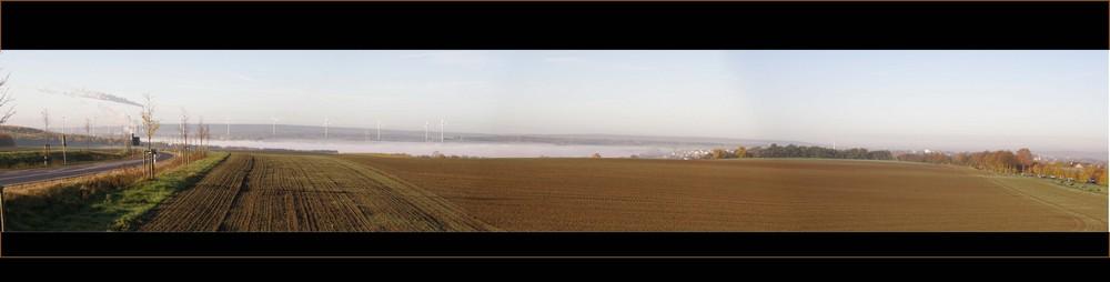 Nebel über dem Tagebausee