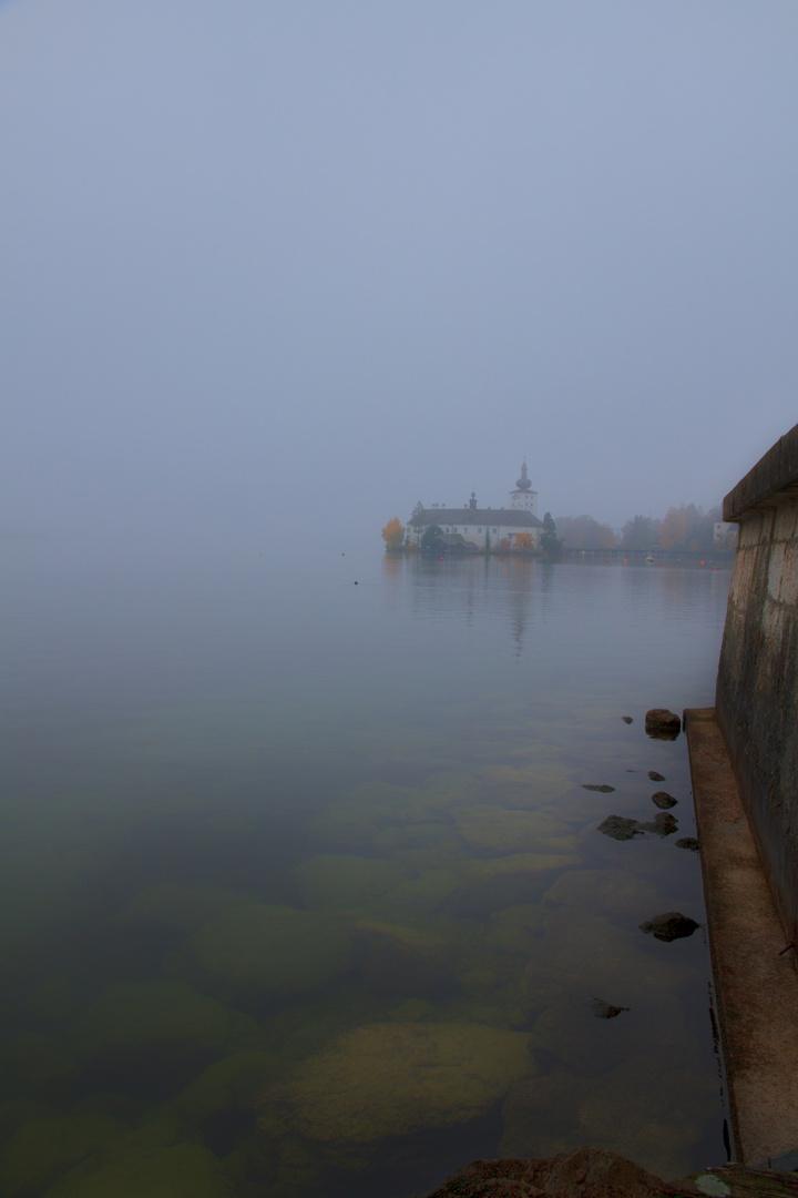 Nebel um Schloß Orth