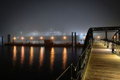Nebel und Hafen