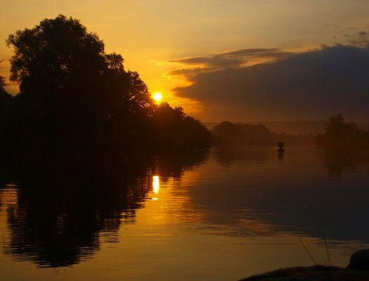 nebeliger Sonnenaufgang über dem Rhein-Main-Donau
