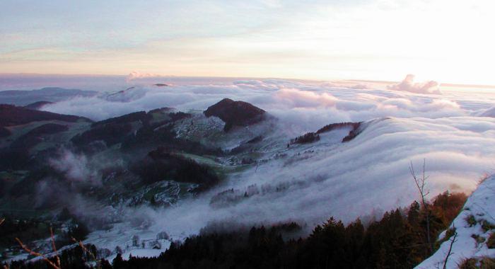 Nebelströme im Baselländer Jura