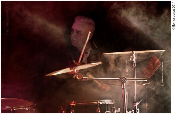 neblige Drums