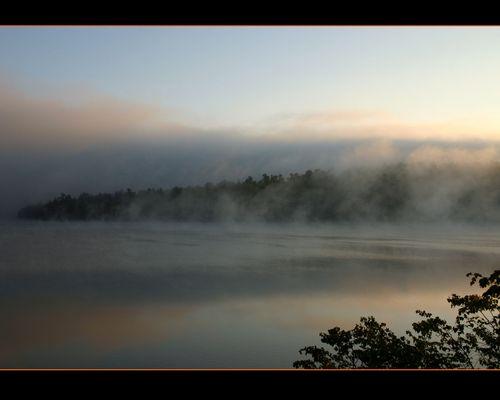 Nebliger Morgen am Lake Placid