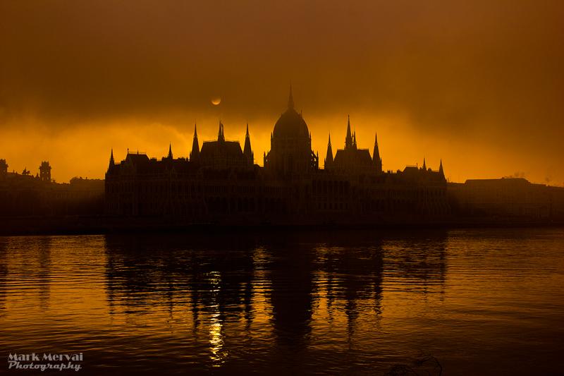 Nebliger Morgen in Budapest