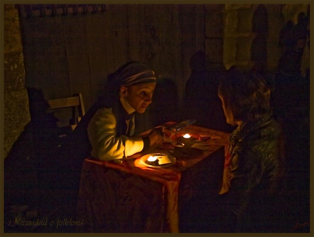 Necesidad o folklore ( Noche esotérica Esplugues Ll. Barcelona )