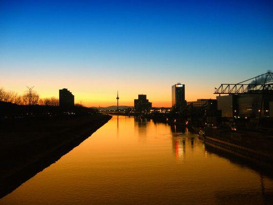 Neckar am Morgen