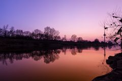Neckarkanal in Gold-N-Blue