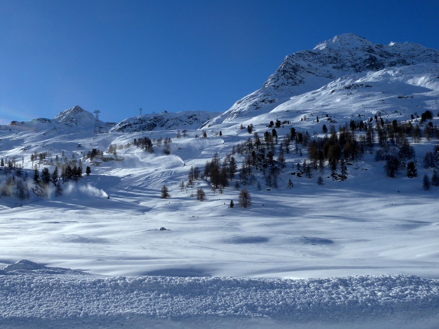 neige et ciel bleu..02