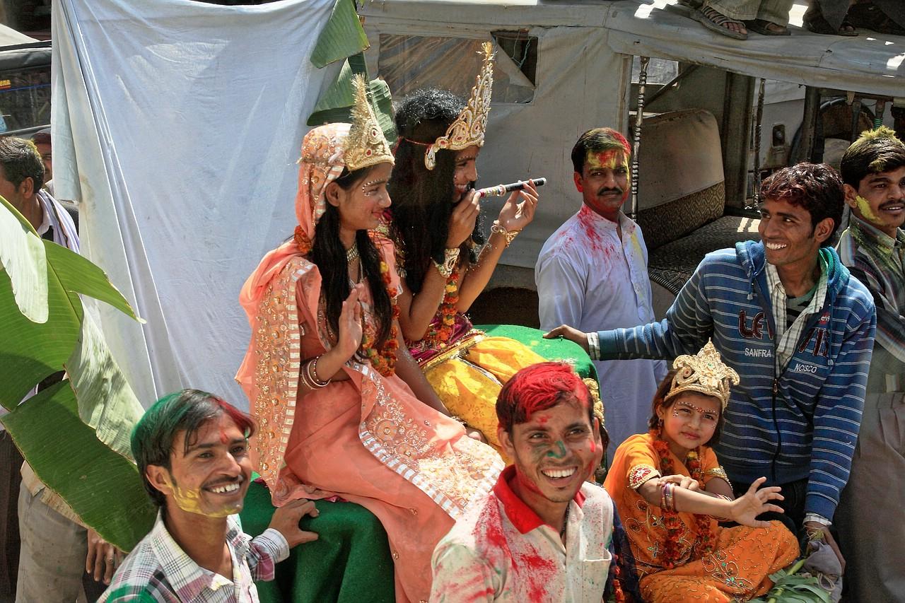 Nein, nicht das Holi-Fest...