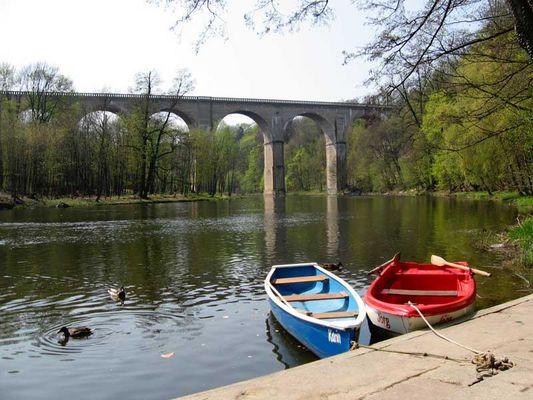 Neiße mit Viadukt in Görlitz