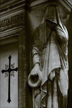 . . . nekropolis: a la recherche du temps perdu [1] . . .