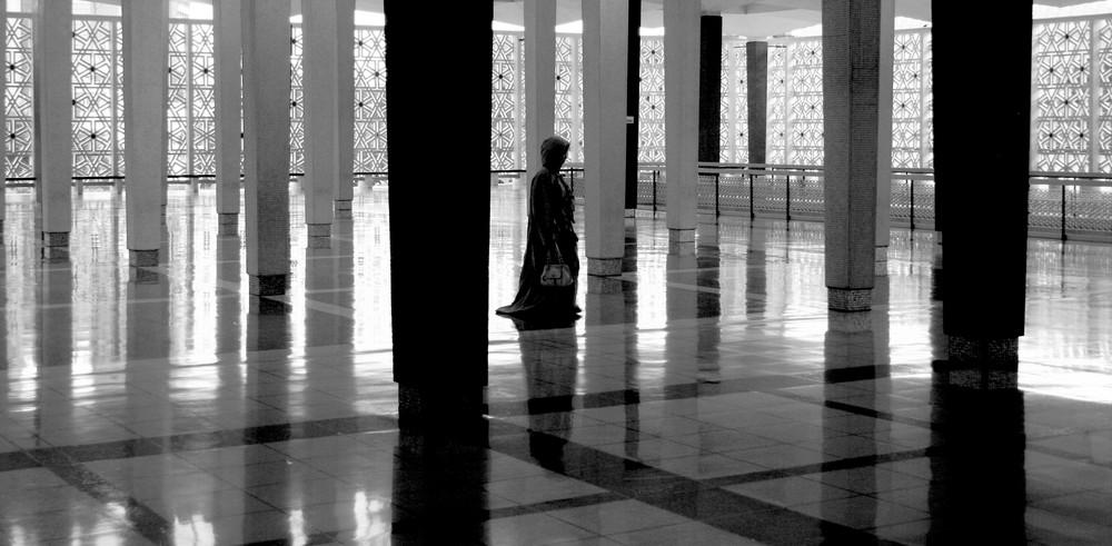nella moschea ...