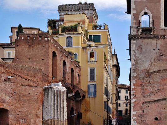 ...nell'area archeologica del foro di Traiano
