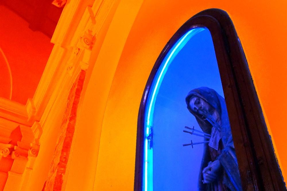 Neon-Madonna