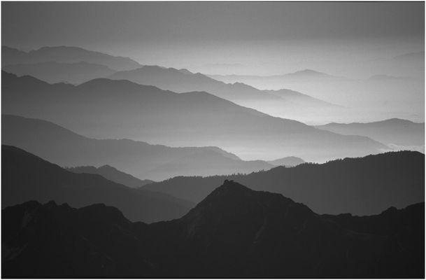 Nepal (7): Blick über die Ausläufer des Himalaya
