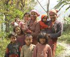 Nepal - Frauen mit ihrem Nachwuchs