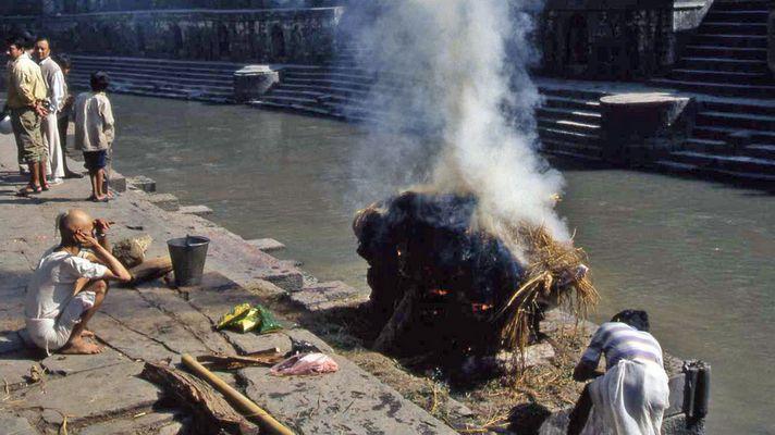 nepal oo2 crémation