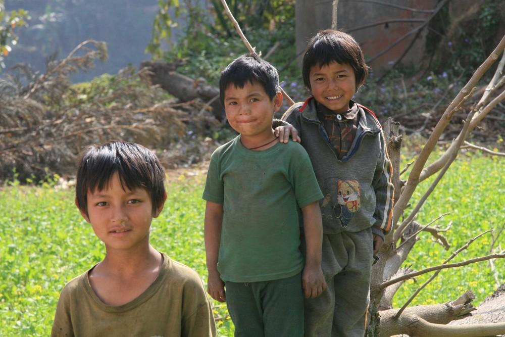 nepalesiche kinder