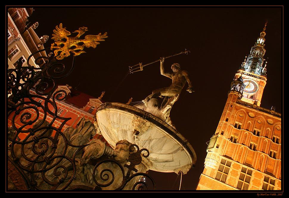 Neptunbrunnen @ night