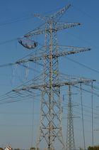 Nerven wie Drahtseile, in 80 m Höhe hier wird eine neue Stromtrasse bei Kaiserslautern errichtet. 2