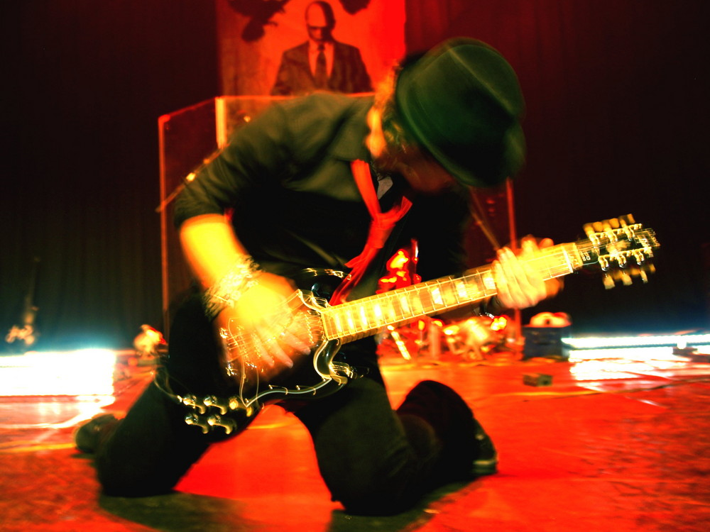 Nesko Hadzimuratovic (Nesko X), Laminius X, live in Paris,06/2008 action