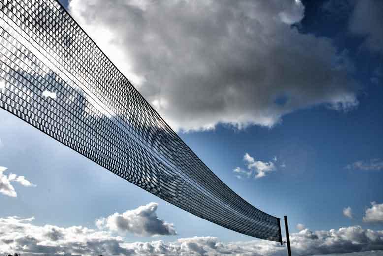 Netz und Wolken