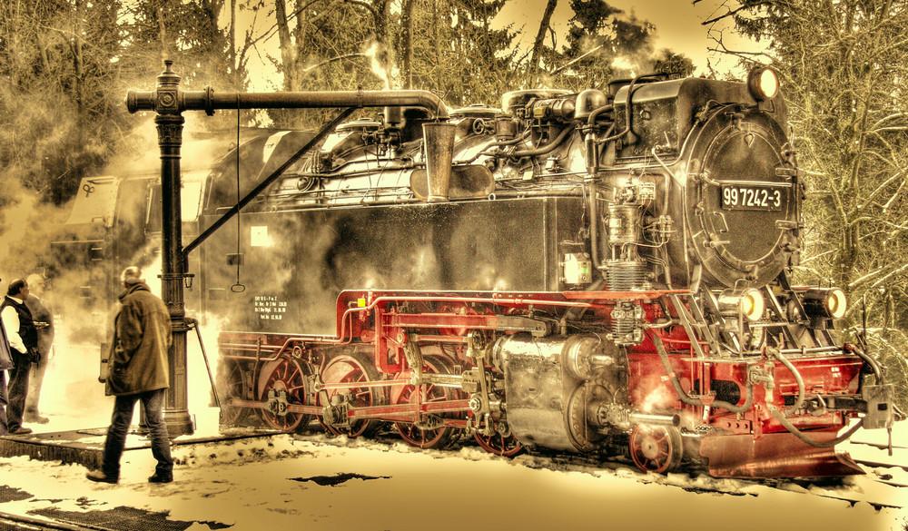 Neubaulokomotive der Harzer Schmalspur Bahnen 99 7242-3