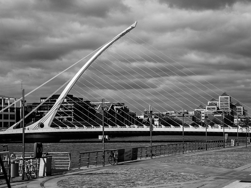 Neue Drehbrücke über den River Liffey