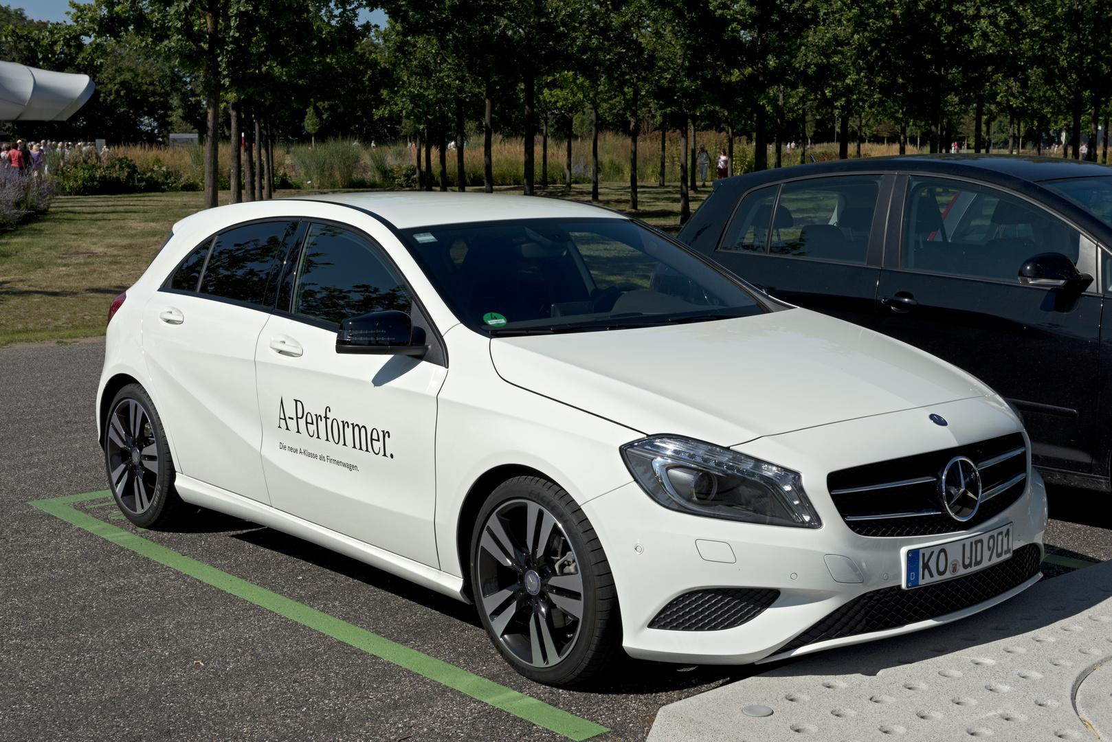 neue Mercedes A Klasse auf dem BUGA Gelände in Koblenz