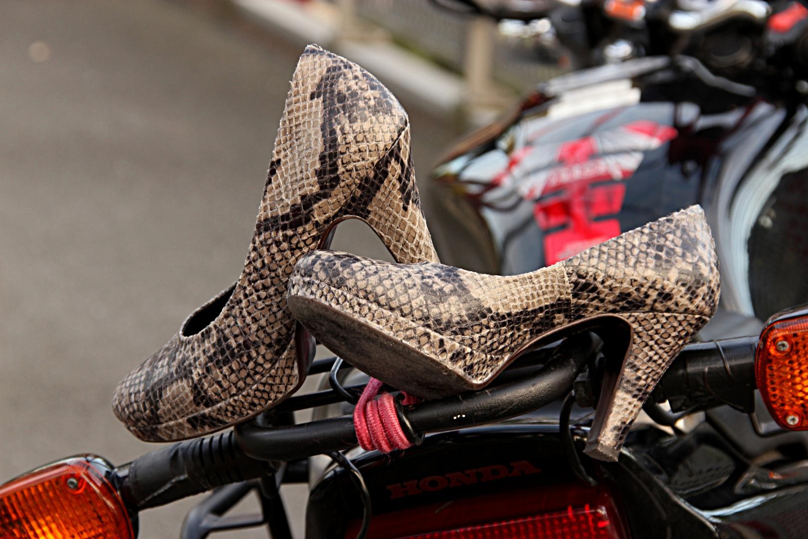 Neue Motorradschuhe