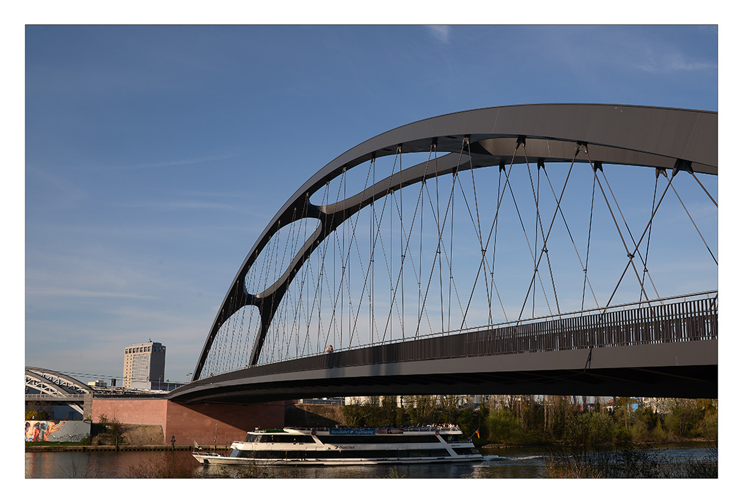 neue Osthafenbrücke Frankfurt am Main