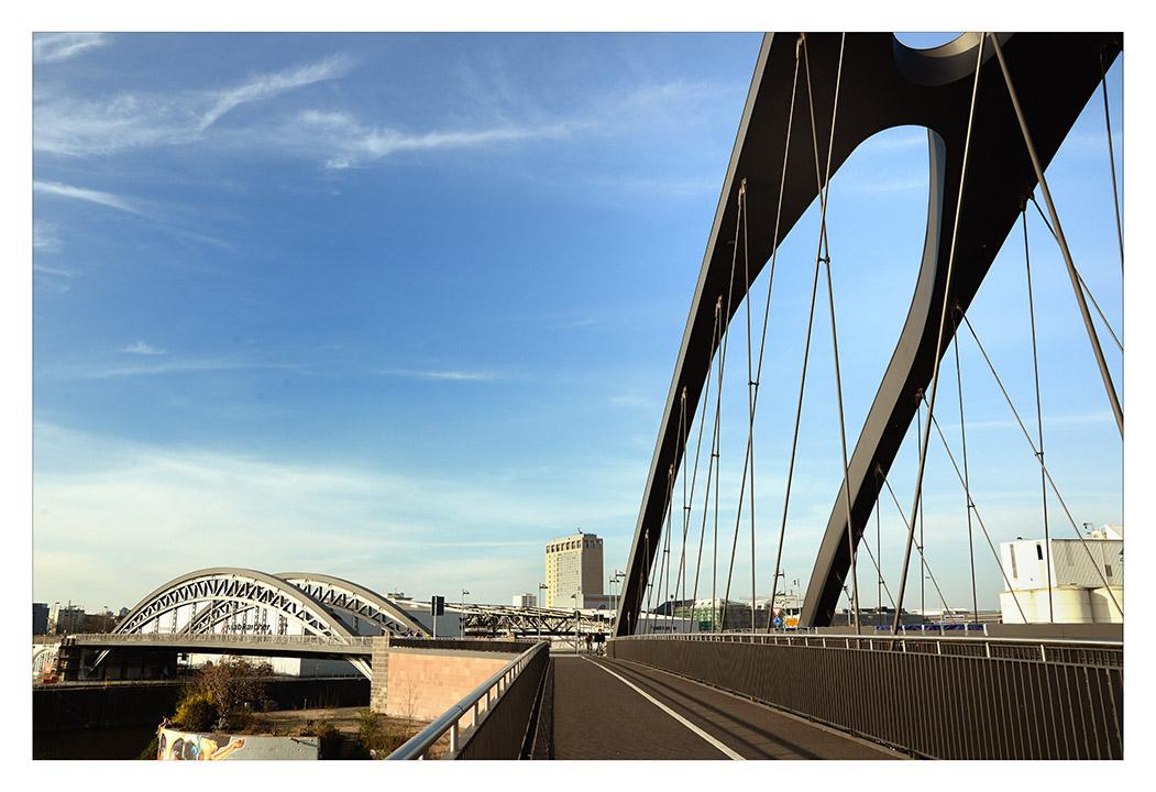 neue Osthafenbrücke - Frankfurt am Main