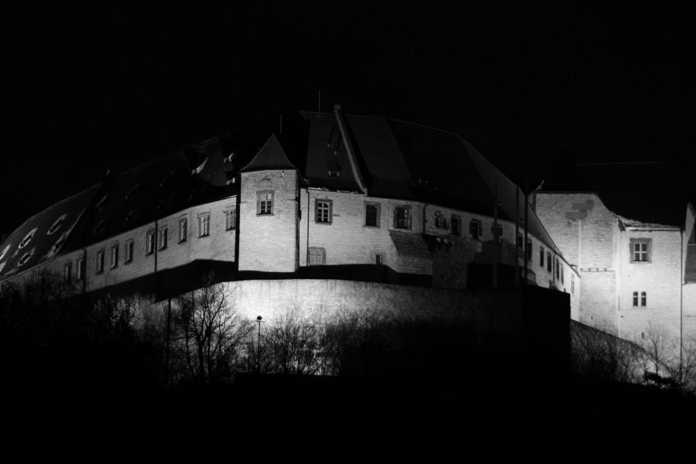 Neuenburg bei Nacht