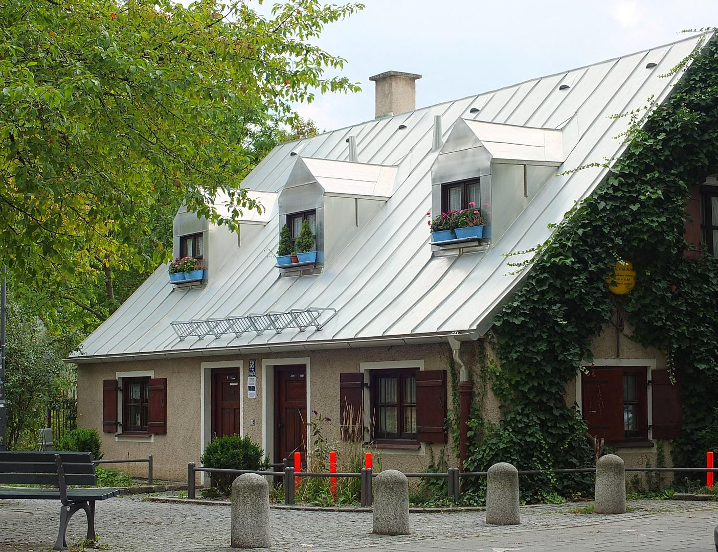 neues Dach - altes Haus