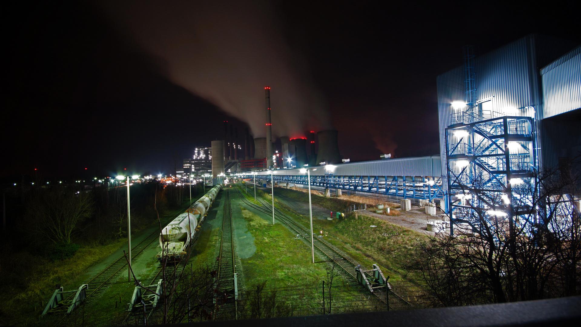neues Kraftwewerk bei Nacht 2