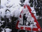 """Neues Winterverkehrsschild: """"Achtung - hier wird Schnee geschippt !"""""""