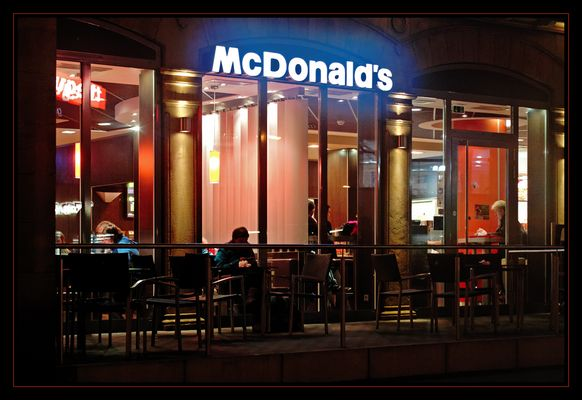 Neulich, abends bei McDonald's