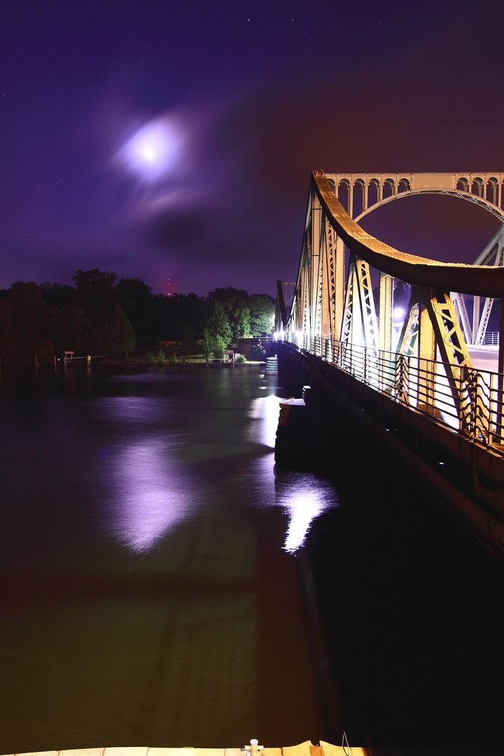 ... neulich an der Glienicker Brücke...