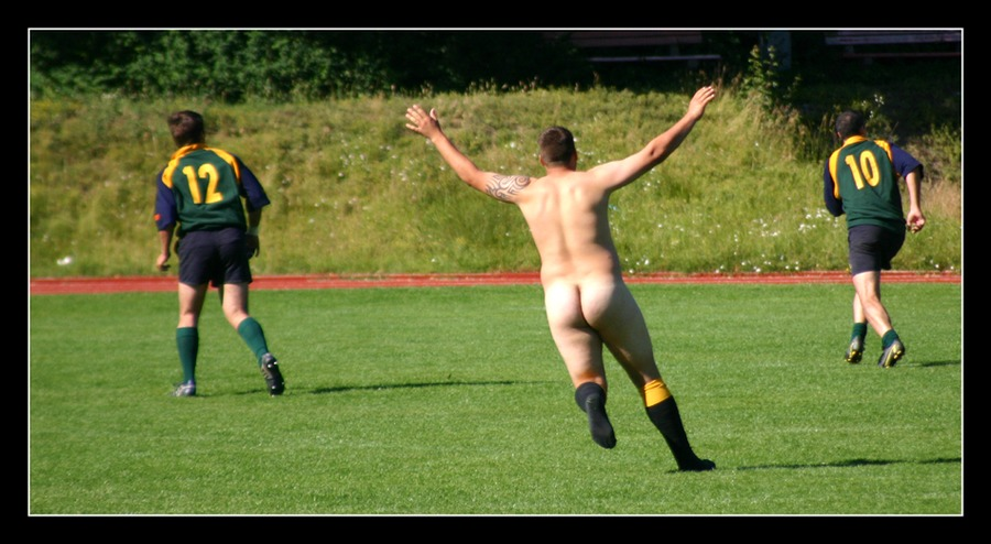 ...neulich auf dem Rugbyplatz...
