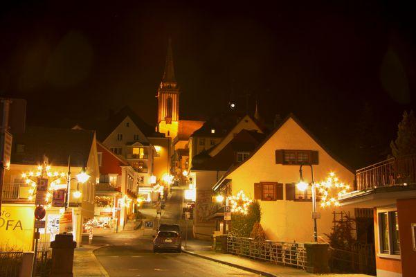 Neustadt bei Nacht
