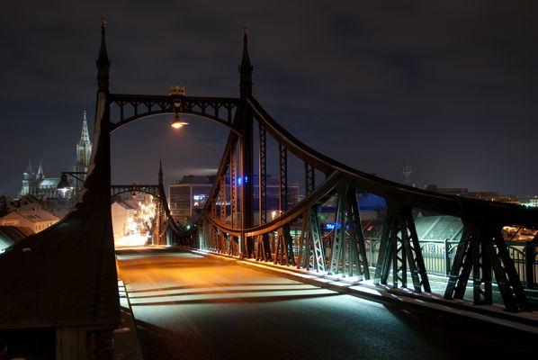Neutorbrücke Ulm bei Nacht