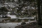 Nevando en la Laguna Negra de Urbión (Soria Castilla y León España)