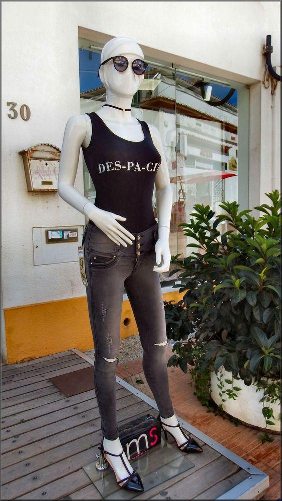 New fashion.....broken pants :-)))