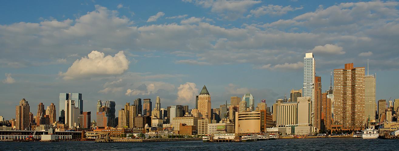 New York City Manhattan Skyline vom Boot aus Fotografiert