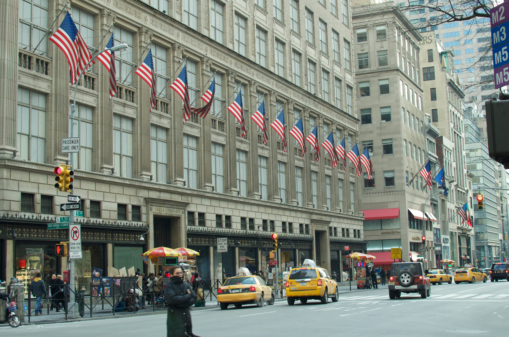 New york city saks kaufhaus 2013
