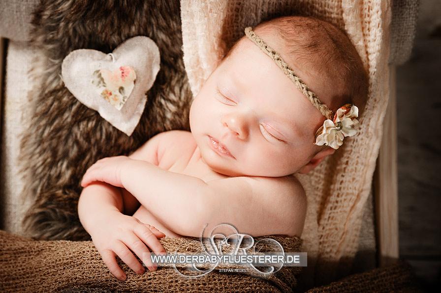 Newborn Ronja | (Babyfotograf in NRW)