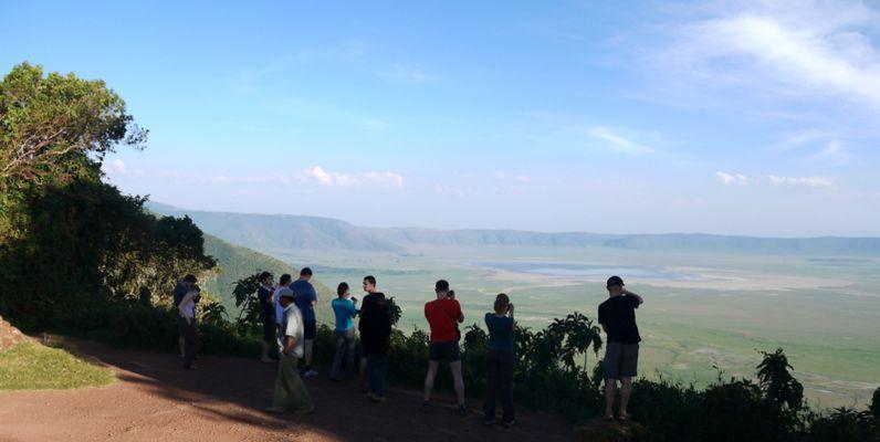Ngorongoro Krater, Blick mit Touristen